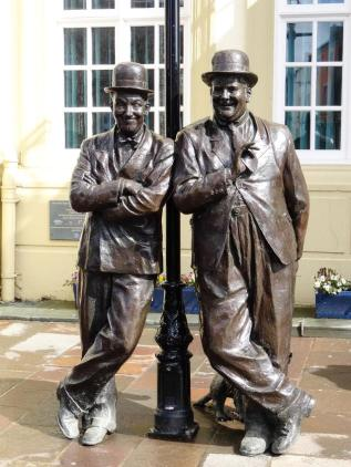 Laurel and Hardy 1opt